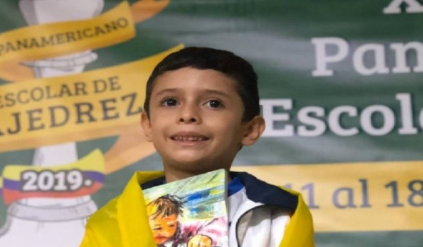 Un huilense es el mejor ajedrecista infantil del país