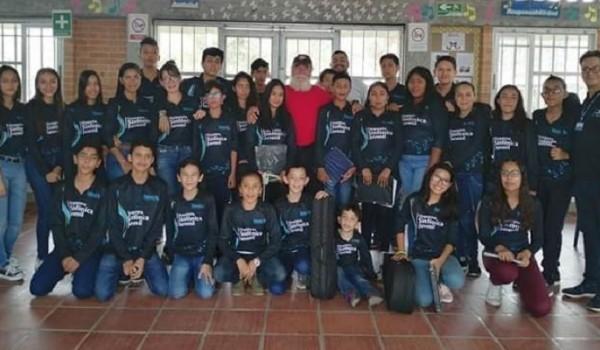 Reconocimiento a la Orquesta de Cuerdas Frotadas Batuta en Pitalito