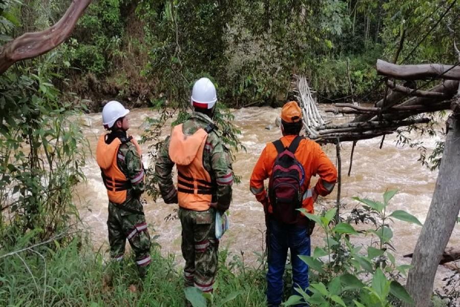 Sigue la búsqueda de militar desaparecido en un río en Íquira