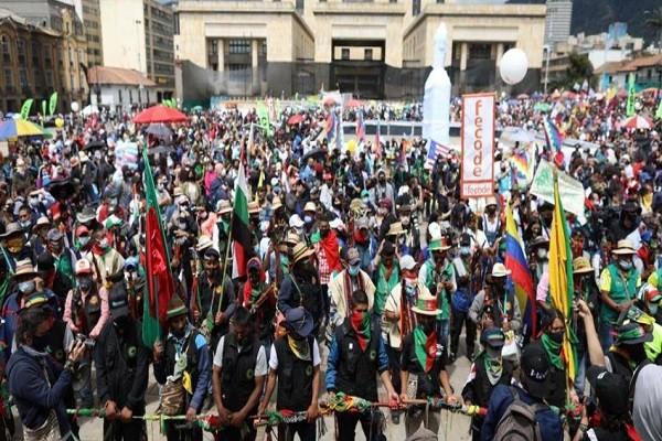 Centrales obreras convocan a Paro Nacional por Reforma Tributaria
