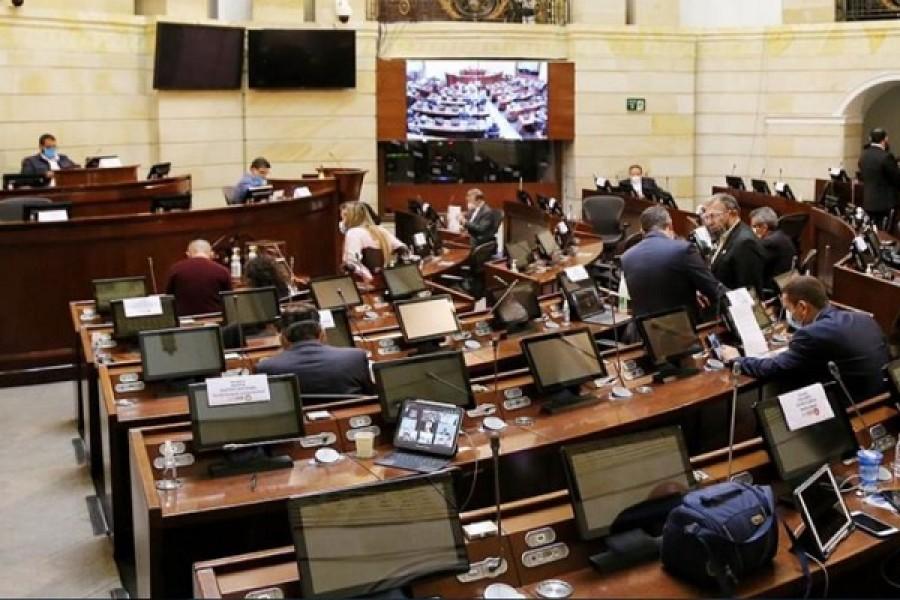 Partidos empiezan a tomar distancia del Gobierno por Reforma Tributaria