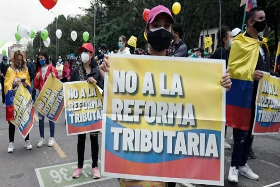 Políticos, líderes y famosos convocan a protestar contra la Reforma a la Salud