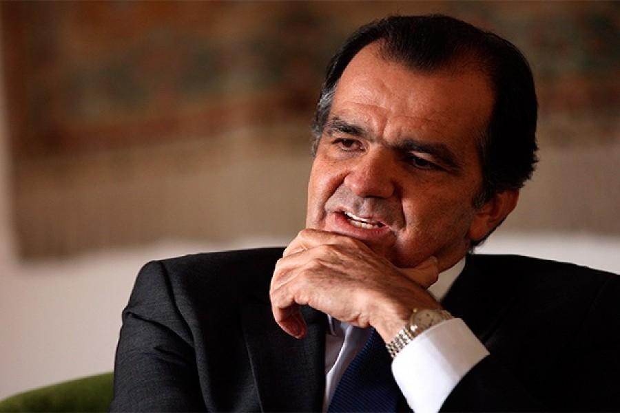 Reaparece el ex candidato presidencial Óscar Iván Zuluaga