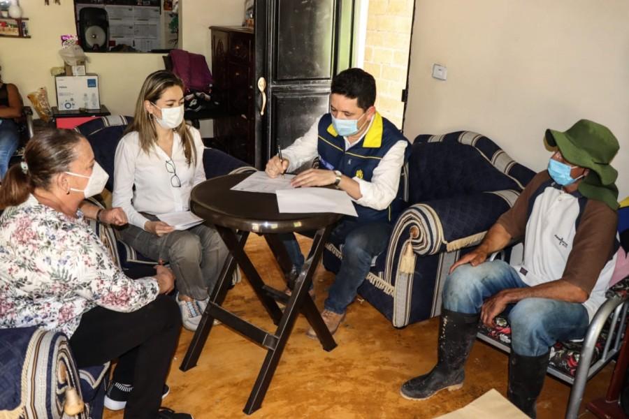 Damnificados por las lluvias en Acevedo, Pitalito y Oporapa recibieron ayudas